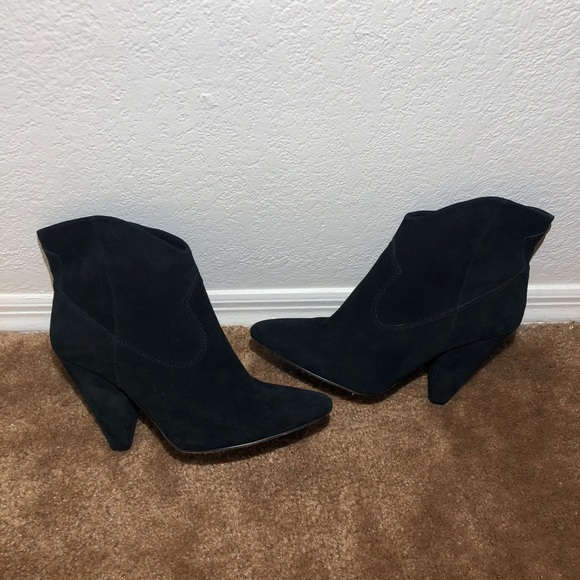 Vince Camuto Shoes   Black Booties
